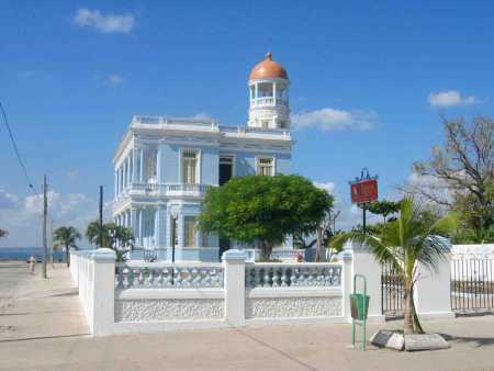 Otra más del Palacio Azul