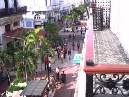 Boulevard de Cienfuegos visto desde el Palacion de Blanc